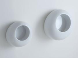 nowoczesny pisuar; eleganckie wyposażenie łazienek; designerskie pisuary