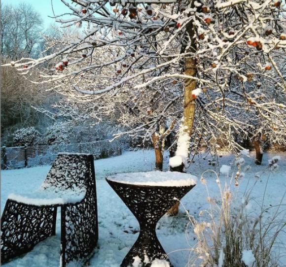 zimowy ogórd, ogród zimą, meble całoroczne