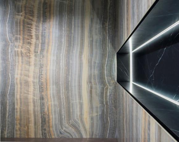 ariostea; płyty wielkoformatowe; nowoczesne wnętrze; efekt marmuru; marmur; onyks